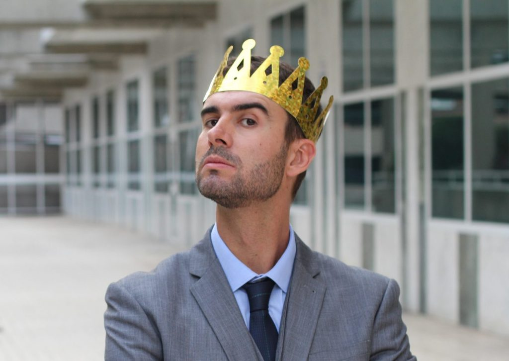 a man needing narcissism treatment with crown